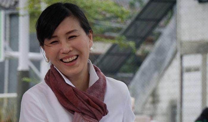 Veronica Tan berjualan daging bakar