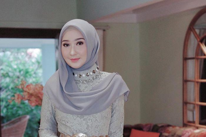 Inspirasi model hijab Dian Pelangi