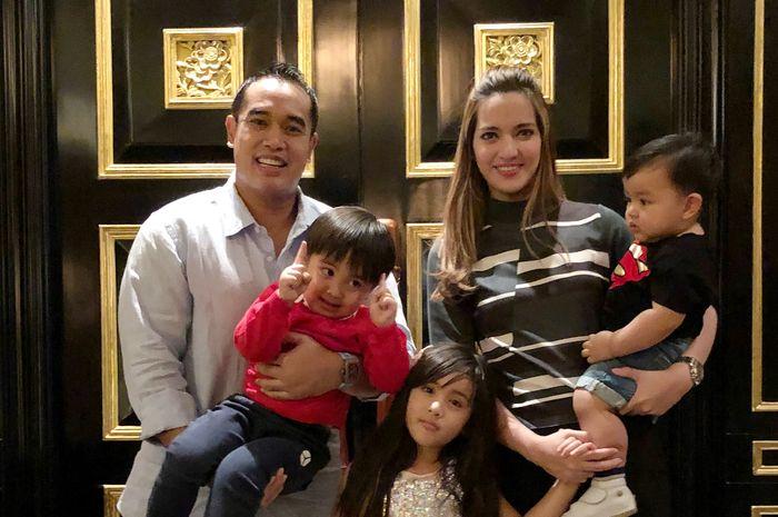Ardi Bakrie, Nia Ramadhani dan anak-anaknya