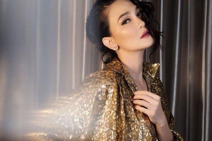 Masuki Kamar Suzzanna, Luna Maya Coba Rasakan Kekuatan Mistis
