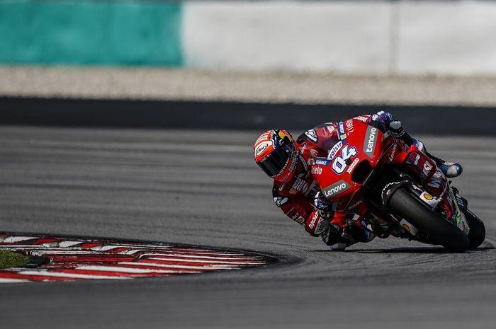 Pebalap Ducati, Andrea Dovizioso, ketika melakoni uji coba di Sirkuit Sepang, Malaysia, Kamis (7/2/2019).