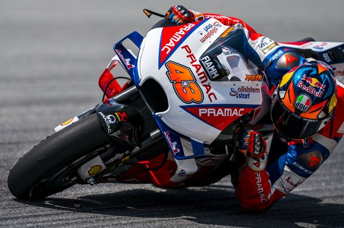 Pembalap Pramac Racing, Jack Miller, saat menjalani uji coba di Sirkuit Sepang, Malaysia, Jumat (8/2/2019).