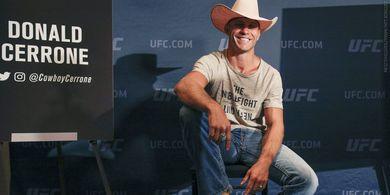 Bos UFC Masih Sudi Menyabung Jagoannya yang Sudah Tua dan Kalahan