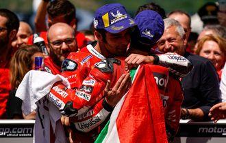 MotoGP Italia 2019 - Di Tengah Kepedihan, Valentino Rossi Tetap Bahagia untuk Danilo Petrucci