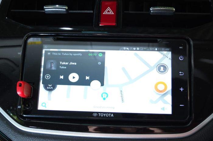 Peta digital bisa dilihat melalui layar head unit berukuran 7 inci