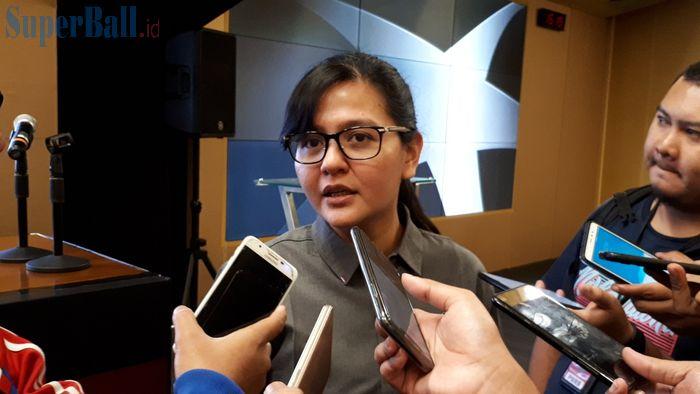 HQ Administrator Organizing Commitee (OC) Piala Presiden, Ratu Tisha Destria menjawab pertanyaan wartawan, Selasa (19/3/2019).