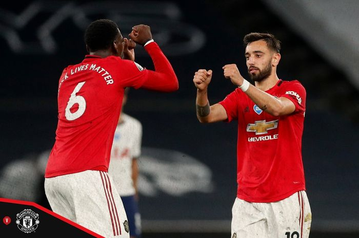 Bruno Fernandes dan Paul Pogba membela Manchester United saat menghadapi Tottenham Hotspur dalam laga pekan ke-30 Liga Inggris, Sabtu (20/6/2020) dini hari WIB.