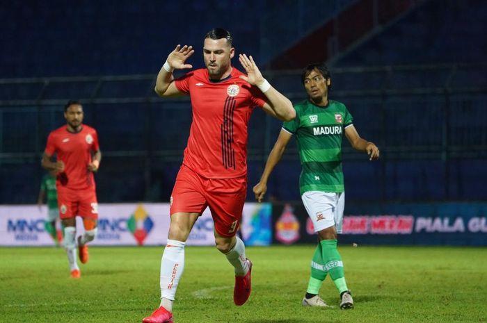 Selebrasi Marko Simic saat mencetak gol untuk Persija Jakarta pada laga kontra Madura United di semifinal Piala Gubernur Jatim 2020.