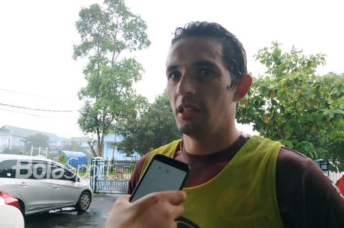 Mantan striker Persija Jakarta Silvio Escobar di mes pemain Persija, Jakarta Timur, Sabtu (23/2/2019).