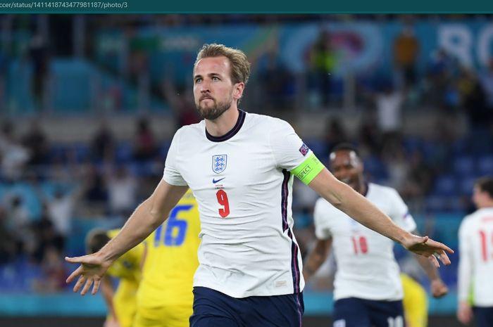 Momen selebrasi Harry Kane usai membobol gawang Ukraina pada laga babak perempat final EURO 2020.