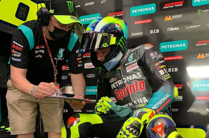 Sahabat Valentino Rossi, Alessio 'Uccio' Salucci beberkan sudah ada pembicaraan dengan beberapa pabrikan soal tim VR46, Suzuki paling depan?