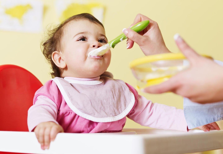 Amankah Bayi Usia 4 Bulan Diberi Sereal Begini Penjelasan Ahli