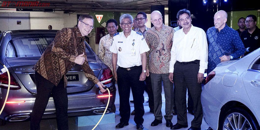 Mercedes-Benz Privilege Parking with EQ Power Charging, kerja sama dengan Plaza Indonesia.