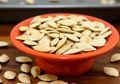 Suka Makan Kuaci? Cobalah Kuaci Biji Labu dan Rasakan Manfaatnya!