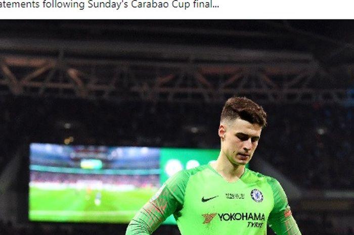 Ekspresi kiper Chelsea, Kepa Arrizabalaga, dalam laga final Piala Liga Inggris melawan Manchester City di Stadion Wembley, Minggu (24/2/2019).