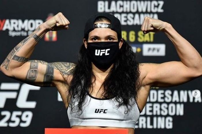 Petarung wanita terbaik, Amanda Nunes menang cepat pada UFC 259 Minggu (7/3/2021).