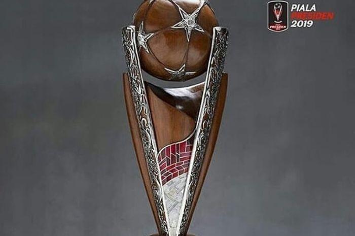 Trofi Piala Presiden 2019.