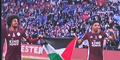 Leicester City Juara Piala FA, 2 Pemain Muslim Bentangkan Bendera Palestina