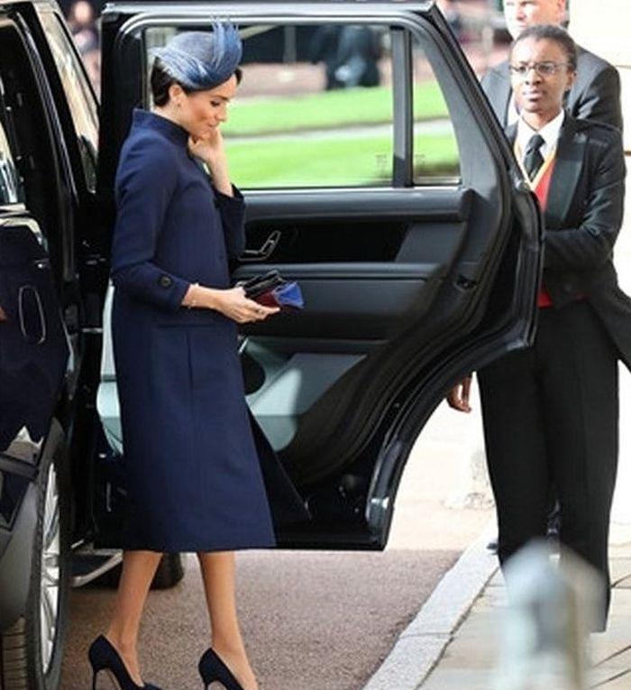 Meghan Markle Tampil Elegan Saat Menghadiri Pernikahan Princess Eugenie dan Jack Brooksbank