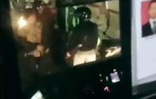 Mencekam, Video Pemotor Duel Lawan Sopir TransJakarta, Kaca Hancur Penumpang Histeris