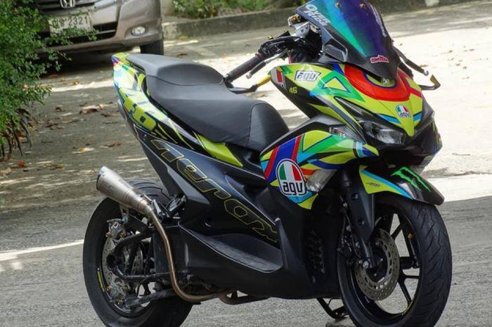 Yamaha Aerox ini sukses tampil bergaya racing look