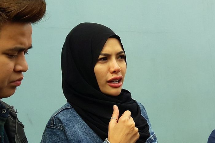 Nikita Mirzani saat ditemui tim Grid.ID di kawasan Mampang, Jakarta Selatan, Kamis (12/7/2018).