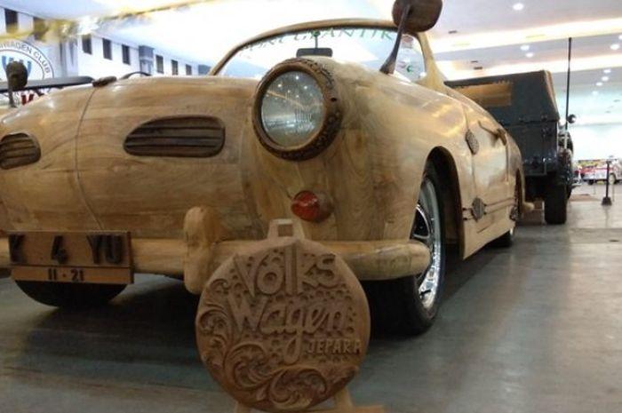 Kreatif Banget! Body Mobil Ini Dibuat Menggunakan Kayu Limbah ... f4f19fb6ce