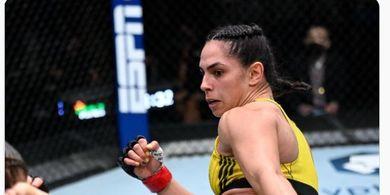 Hasil UFC Vegas 37 - Bentrokan Super Ngotot! Ratu Kekerasan Beri Noda Pertama untuk Si Monster