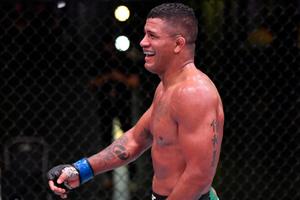 Duel Melawan Kamaru Usman Penuh Ketidakpastian, Jagoan UFC Ini Mulai Frustrasi