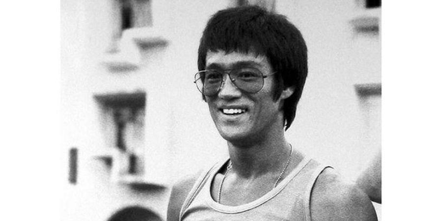 VIDEO - Saat Bruce Lee Pamer Skill Bulu Tangkis Lewat Senjata Andalan