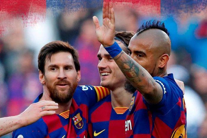 Megabintang Barcelona, Lionel Messi (kiri), merayakan golnya ke gawang Eibar dalam laga Liga Spanyol di Stadion Camp Nou, Sabtu (22/2/2020).