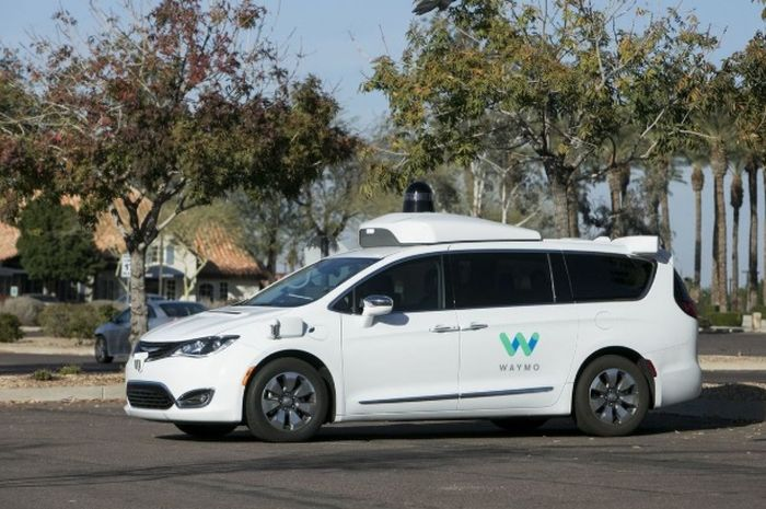 Mobil otonom sebagai taksi online
