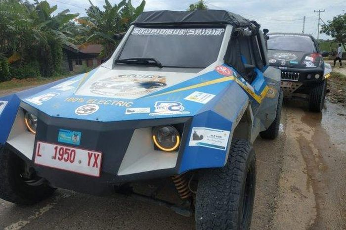 Ekspdisi mobil listrik Blits bertajuk 'PLN Blits Explore Indonesia' pekan ini tiba di Kota Medan, kota keenam yang disinggahi setelah menempuh perjalanan sejauh 3.584 km dari dari Surabaya dan Jakarta.