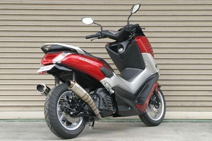 Yamaha NMAX pakai 2 knalpot.