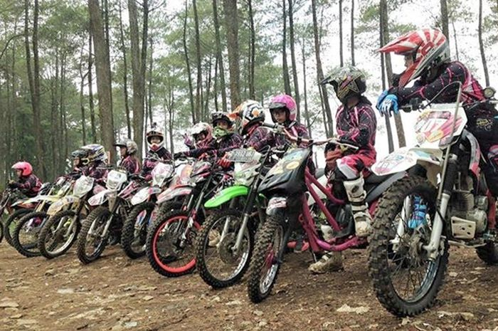 Komunitas TRIANGEL Indonesia berisi rider wanita