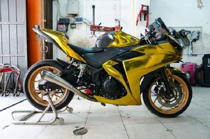 Yamaha R3 berkelir emas sekaligus pakai pelek mahal