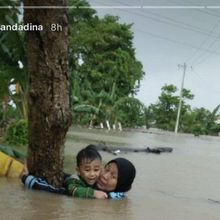 Nenek yang Berhasil Selamatkan Cucu dari Banjir, Dilaporkan Meninggal Karena Serangan Jantung