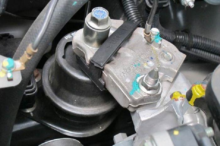 ilustrasi Engine mounting yang meredam getaran mesin