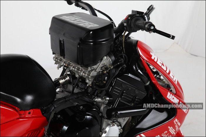 Bagian dek berubah menjadi tempat mesin 1000cc