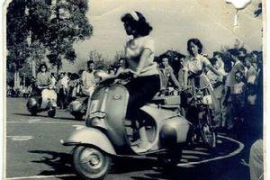 Cantiknya Peserta Kontes Pemilihan Ratu Vespa Tahun 1962 Lady Biker