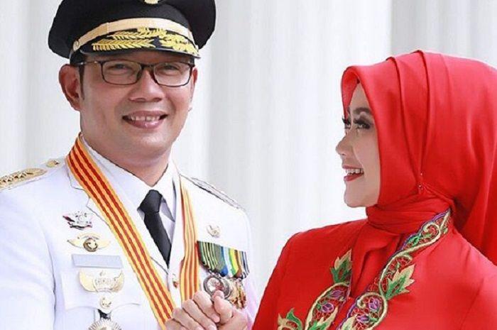 Ridwan Kamil bersama istri