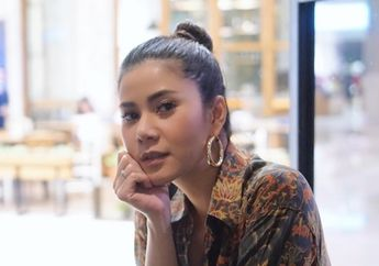 Gaya Super Seksi Cynthia Ramlan Adik Kandung Olla Ramlan Sekaligus Mantan Istri Vicky Nitinegoro