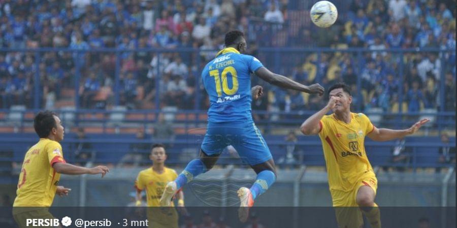 Tak Kunjung Datang, Ada Apa Ezechiel Ndouassel dengan Persib Bandung?