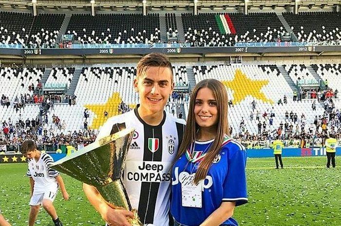 Keromantisan Paulo Dybala (kiri) dan Antonella Cavalieri waktu itu