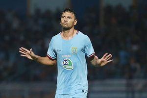 Tangisan Striker Persela usai Gagal Penalti ke Gawang Badak Lampung FC