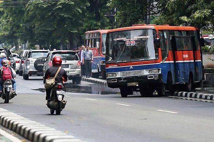 Transjakarta Buka Trayek Baru Sopir Metro Mini 610 Mengaku Pasrah