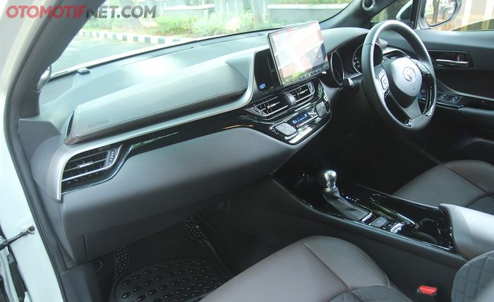 Interior masih standar, hanya upgrade audio