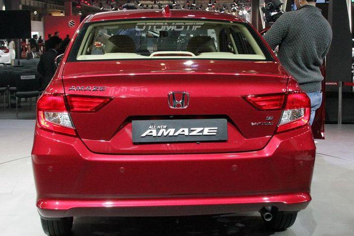 Bentuk belakang All New Honda Amaze