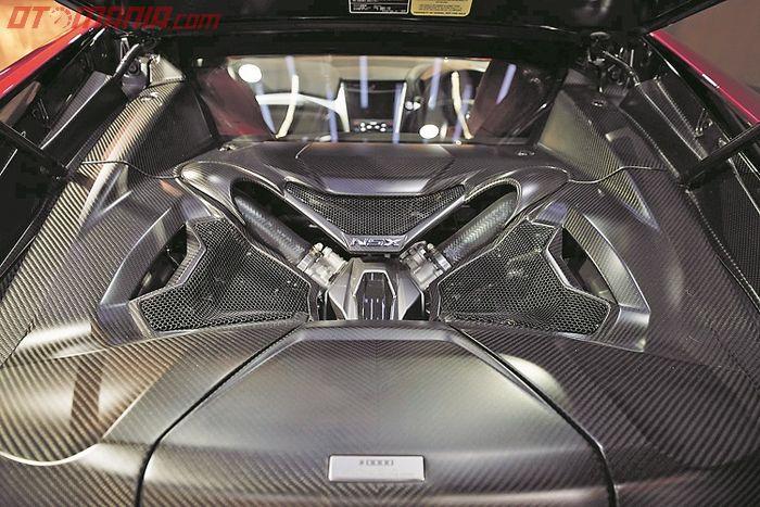 Mesin 3.5L 6 silinder segaris twin turbo yang gahar!