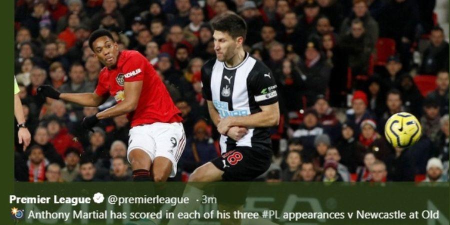 VIDEO - Gol Cerdik Anthony Martial Bikin Newcastle Babak Belur